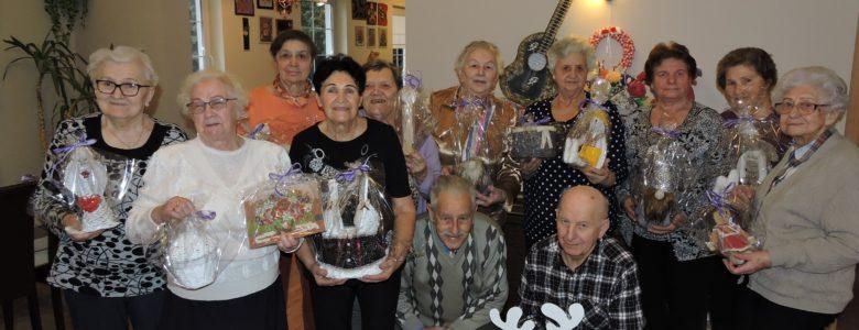 Seniorzy przekazali swoje prace na aukcje Wielkiej Orkiestry Świątecznej Pomocy