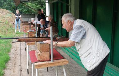 Seniorzy z Domu Dziennego Pobytu spędzają aktywnie czas